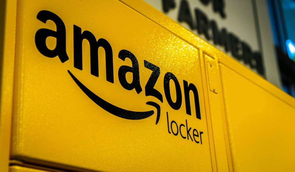 amazon benefits amazon locker